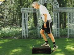 Beenspieren kniestabiliteit opstapje