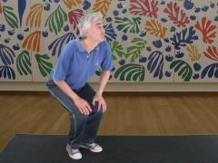 Stilstaan met gebogen knieën
