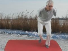 Schaatssprong voor beenstabiliteit